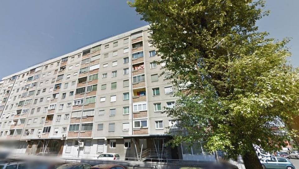TOP dražbe: stanovanji v Ljubljani, apartma na Krvavcu, mercedes CLS ...