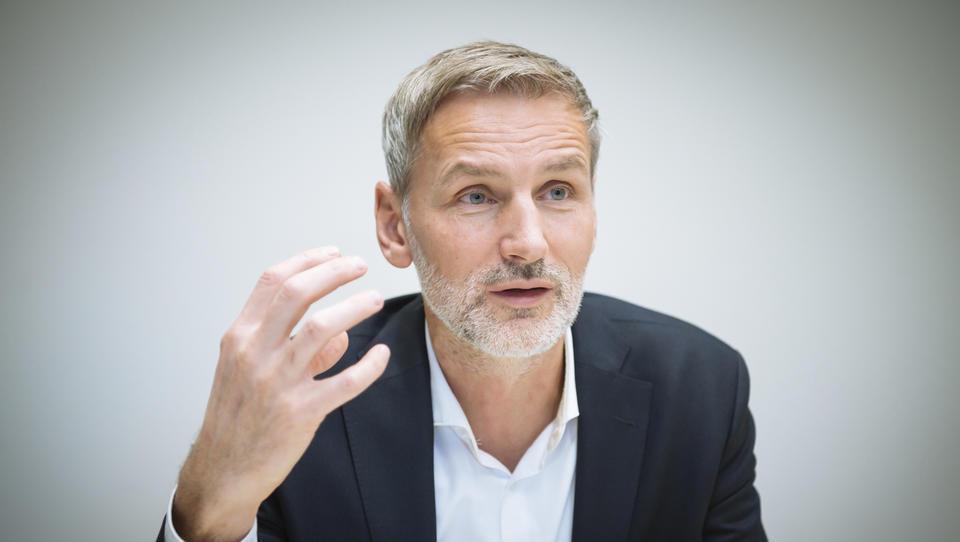 Kdo si upa: Matej Čer