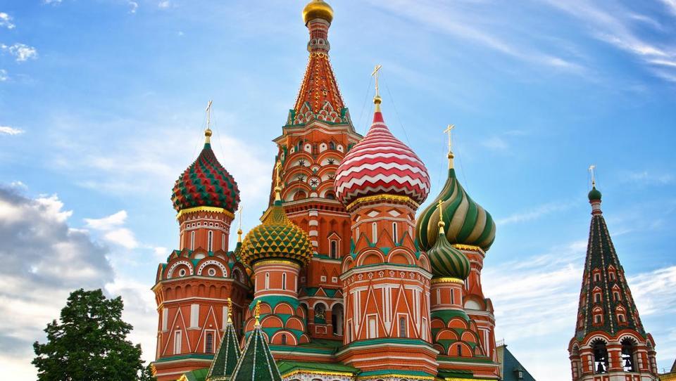 Rusi bodo prihodnje leto več trošili, prebudila naj bi se tudi gospodarska rast