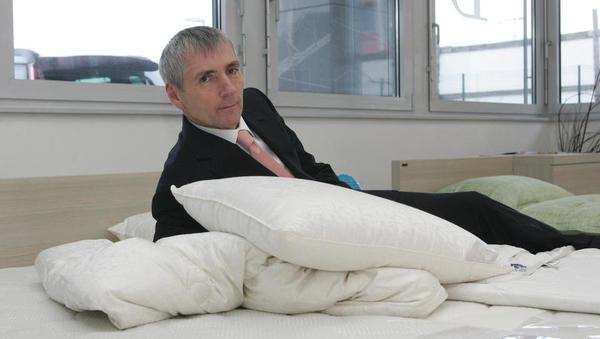 Sandi Češko prodal svoj delež v holdingu Studio Moderna - ukvarjal se bo le še z ležišči in letalskimi sedeži