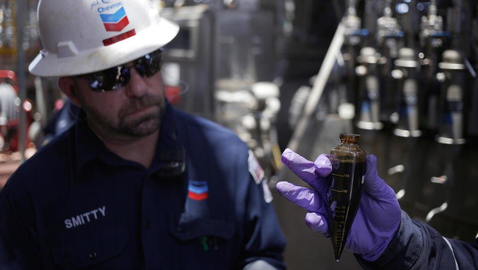 Zakaj Chevron vztraja na venezuelskih naftnih poljih