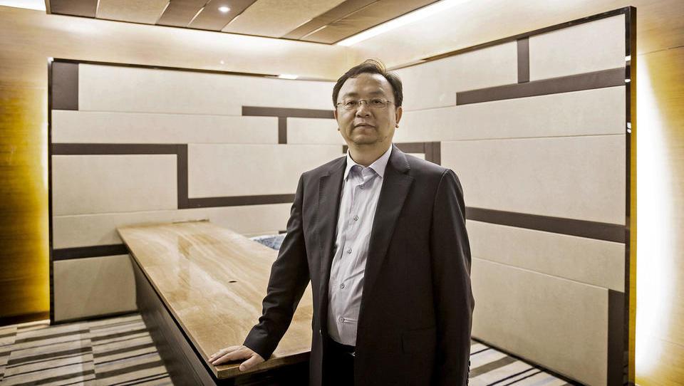 Kako je mladi kemik zgradil največjo tovarno električnih avtov na svetu - in postal eden najbogatejših Kitajcev