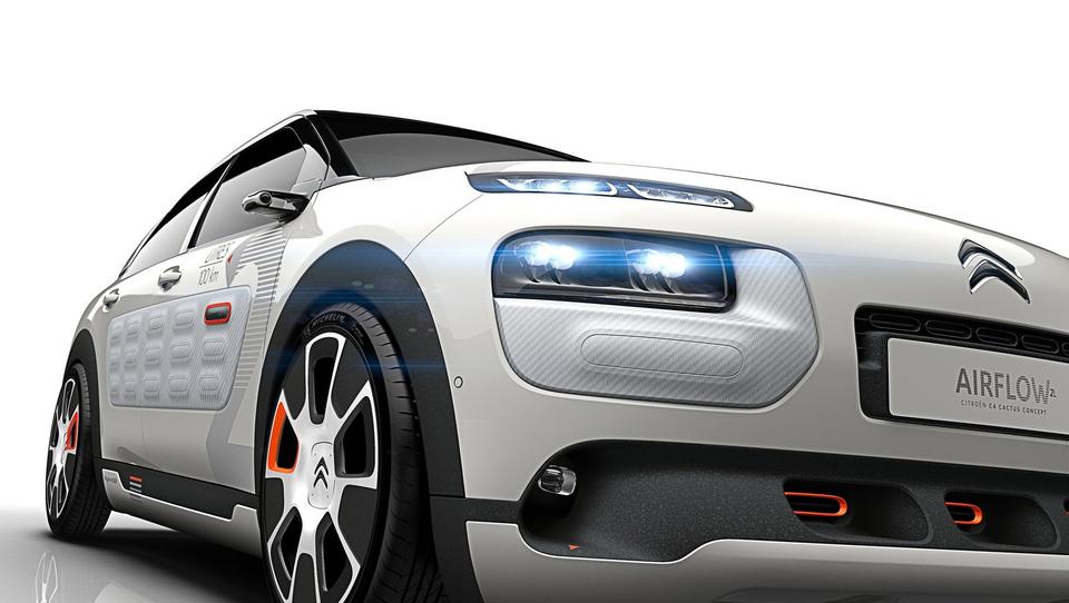 Bencinski Citroën C4 cactus s porabo dveh litrov