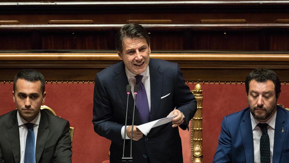Italija vztraja pri 2,4-odstotnem primanjkljaju, evropsko komisijo poziva h konstruktivnemu dialogu