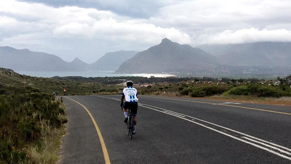 Največja kolesarska dirka na svetu skozi požare in suše