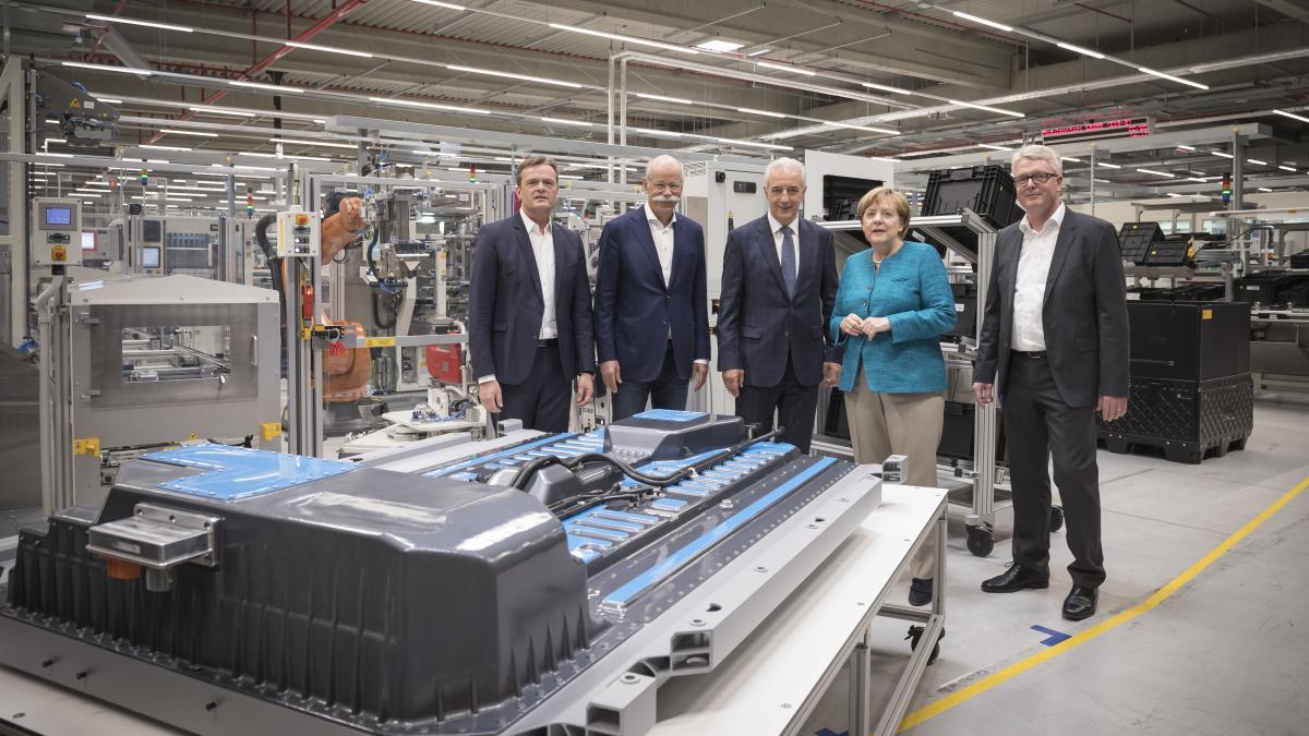 Evropa s tovarno blizu Berlina v tekmo s Teslino Gigafactory
