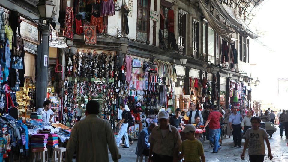 Kako sem med iskanjem namiznega prta v Damasku doživela vojno razdejanje