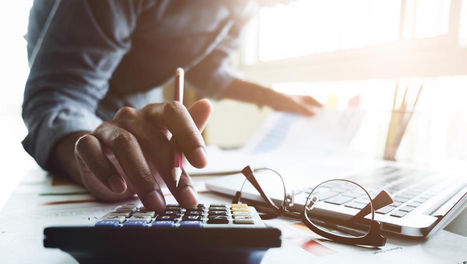 Ali pravilno obračunavate dodatke od minimalne plače? Previdno pri izračunu nadomestil