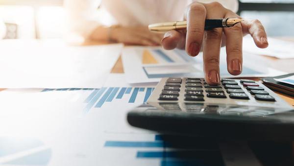 Kje vse nastanejo stroški, če prodajate podjetje