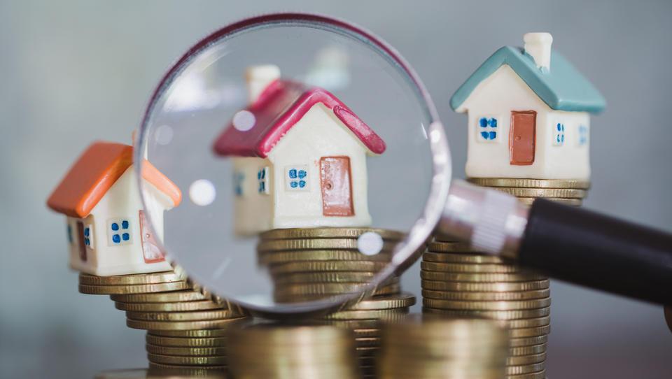 (analiza) Stanovanja po daljšem času cenejša