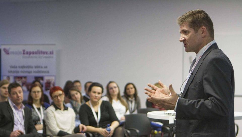 Dejan Turk kadrovnikom: HR teme prinesite na sestanek uprave