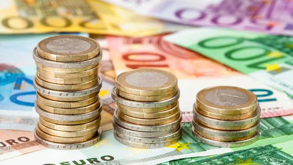 Furs dobiva nove podatke o računih v tujini, pod drobnogledom tudi družinske fundacije