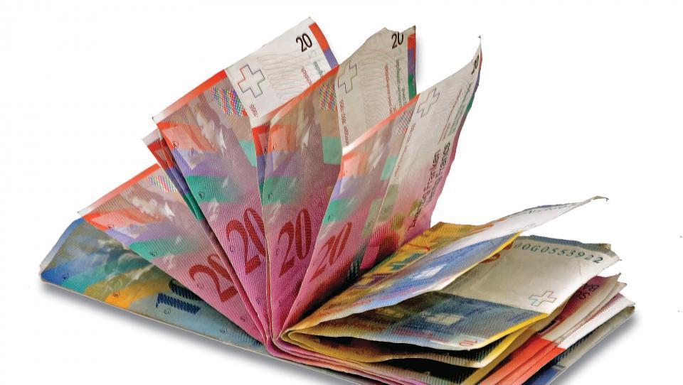 Vroča dilema: posojilo v frankih ali evrih