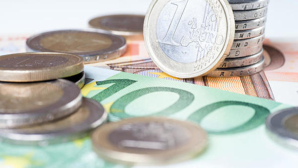 ZZZS pri ukinjanju dopolnilnega zavarovanja predlaga proračunsko varovalko in dvig prispevka