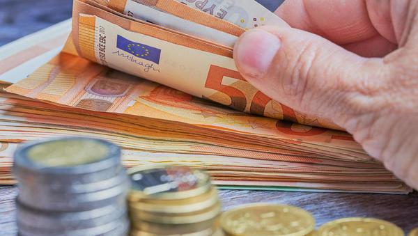 Banke spreminjajo pravila: pri kreditni sposobnosti prebivalstva zdaj upoštevajo več dohodkov