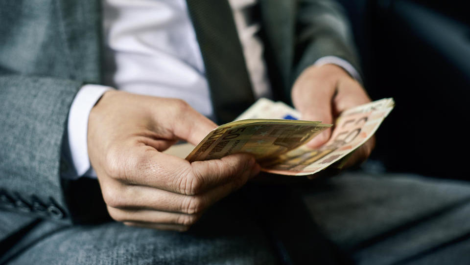 Imejte pripravljen denar: kdaj in kako bo Furs izterjal vaš davek na dobiček?
