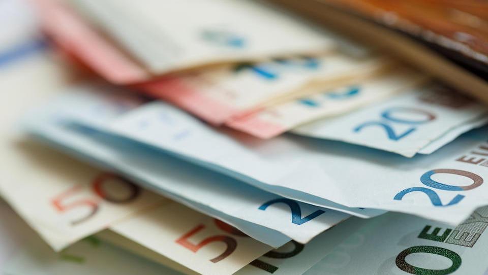Spremembe razpisov za vavčerje: dva z možnostjo nižje subvencije, dva se začasno zapirata