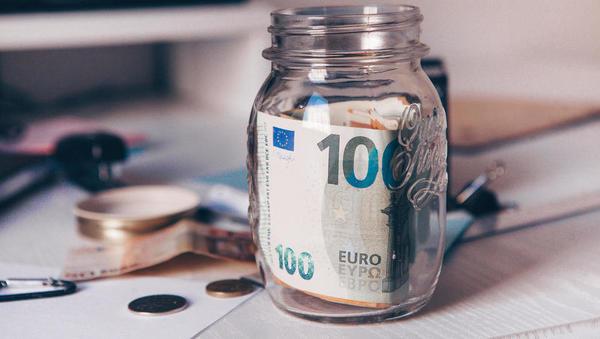 Simičev predlog za obdavčitev premoženja: kapitalski dobički in najemnine obdavčeni manj, obresti bolj