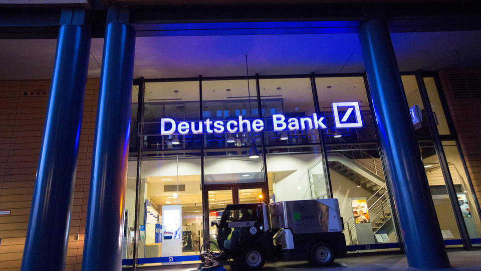 Izguba Deutsche Bank v drugem četrtletju je večja od pričakovane