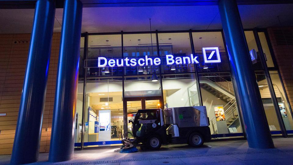 Bloomberg: zdaj je uradno, Deutsche bank in Commerzbank se združujeta
