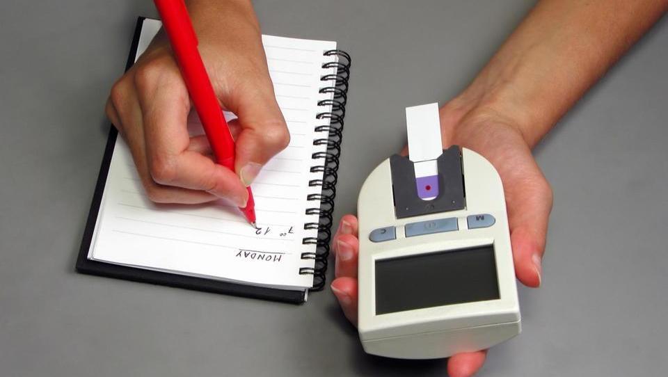 Boljši glikemični nadzor pri mlajših bolnikih in v Evropi