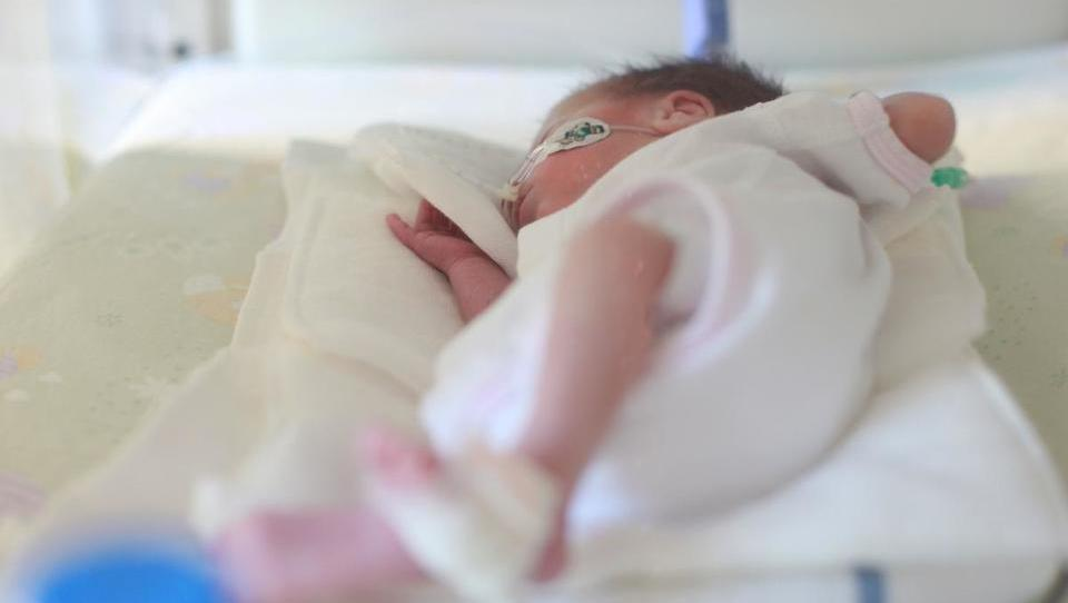 Začele so se raziskave z afliberceptom za zdravljenje retinopatije nedonošenčkov