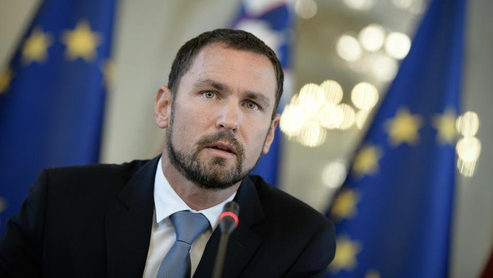 Primož Dolenc, kandidat za guvernerja, o izbrisancih, prodaji NLB, razmerah v gospodarstvu in bankah