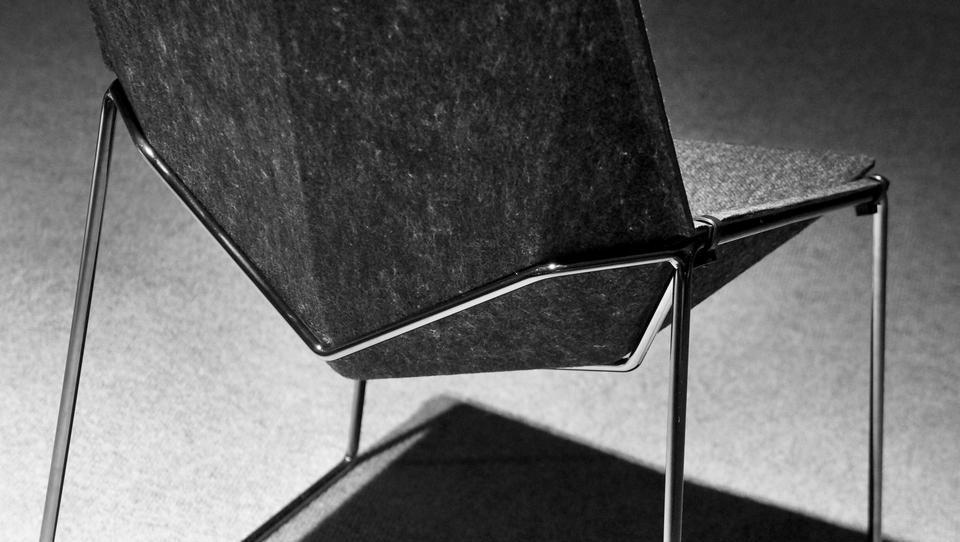 Izvozna uspešnica: Donarjevi stoli iz odpadnih plastenk in brez kemikalij