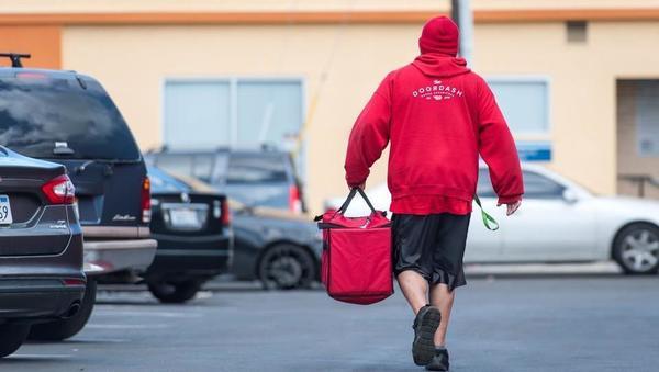 Največji ameriški dostavljavec hrane DoorDash gre na borzo