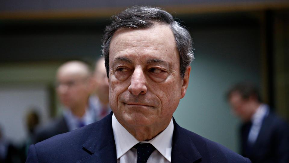Mario Draghi se bo z vrha ECB poslovil s svežnjem spodbujevalnih ukrepov