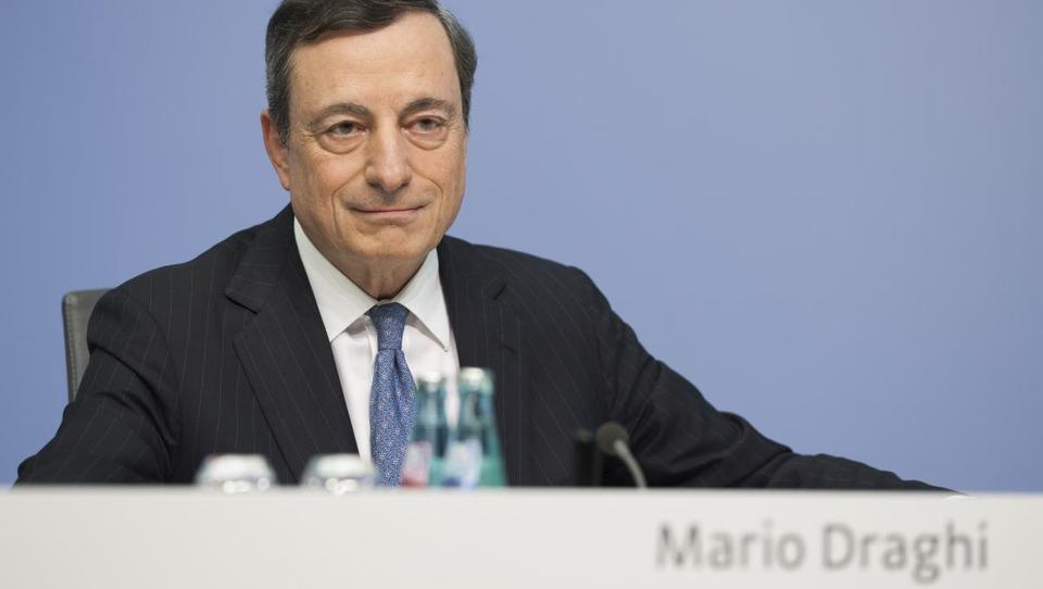 ECB zaskrbela moč evra