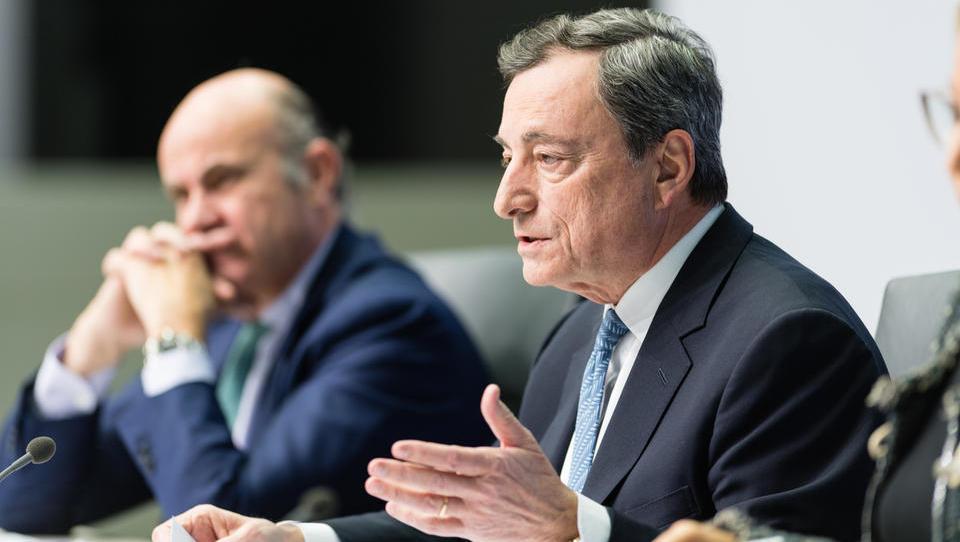 Šef ECB odgovarja: je upočasnitev prehodna ali pa smo na robu recesije