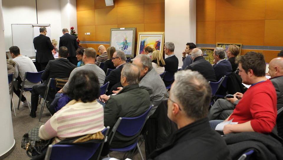 Na dražbi Poteze Naložb prodanih za več kot 50 tisoč evrov umetnin