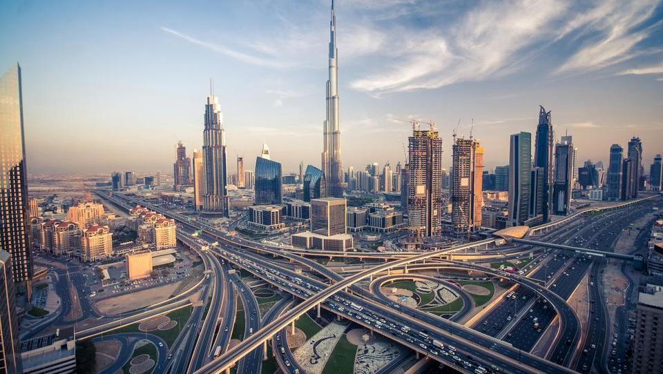 Dubaj načrtuje največje letališče na svetu