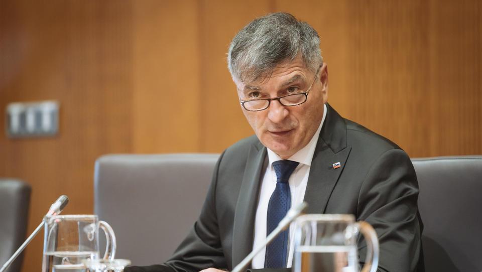 Zaslišanje v DZ prestal tudi kandidat za ministra za javno upravo Medved