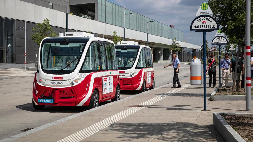 Avstrijci bodo testirali samovozeči minibus, hitrost bo primerljiva s kočijo