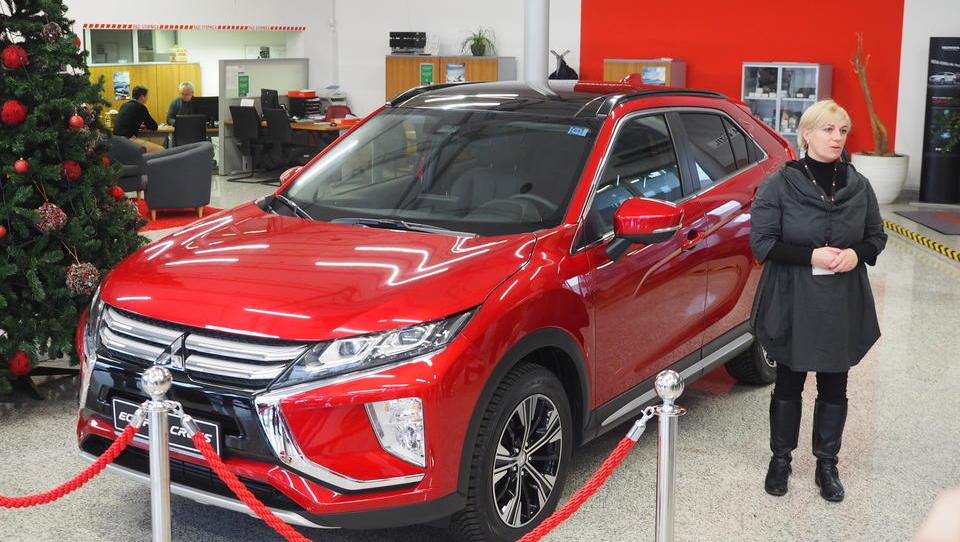 Prišel je privlačni Mitsubishijev SUV, cena je prava!