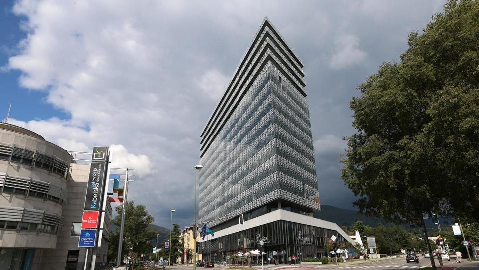 Primorske novice: Lastniki stanovanj v Edi centru v šoku zaradi tožbe