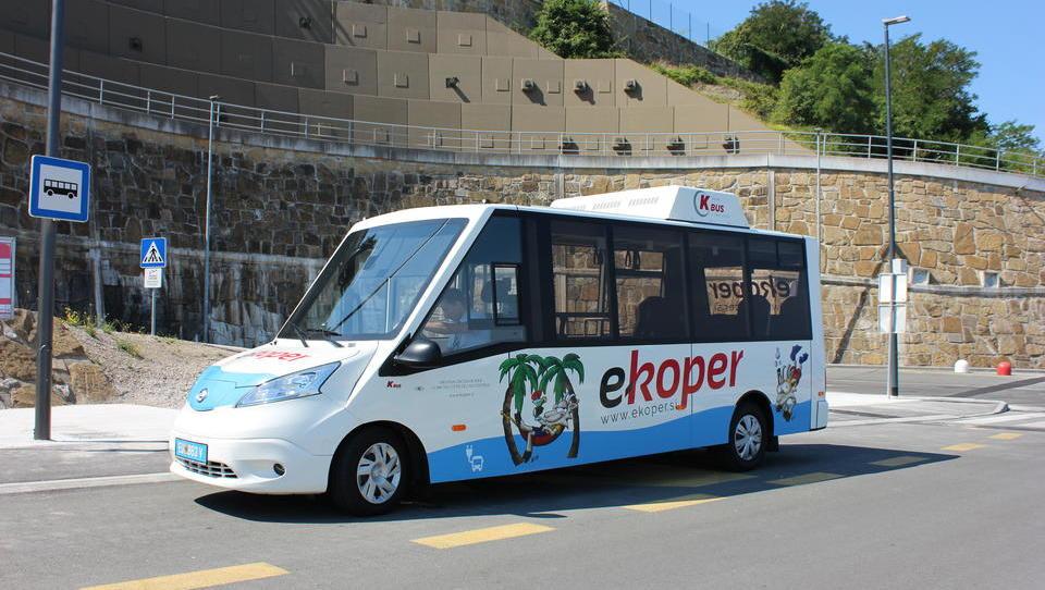 V Kopru se lahko peljete z električnim avtobusom