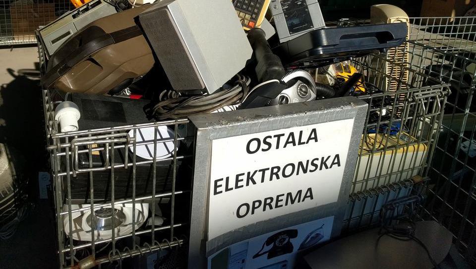Deleži pri ravnanju z e-odpadki so se razdelili na novo