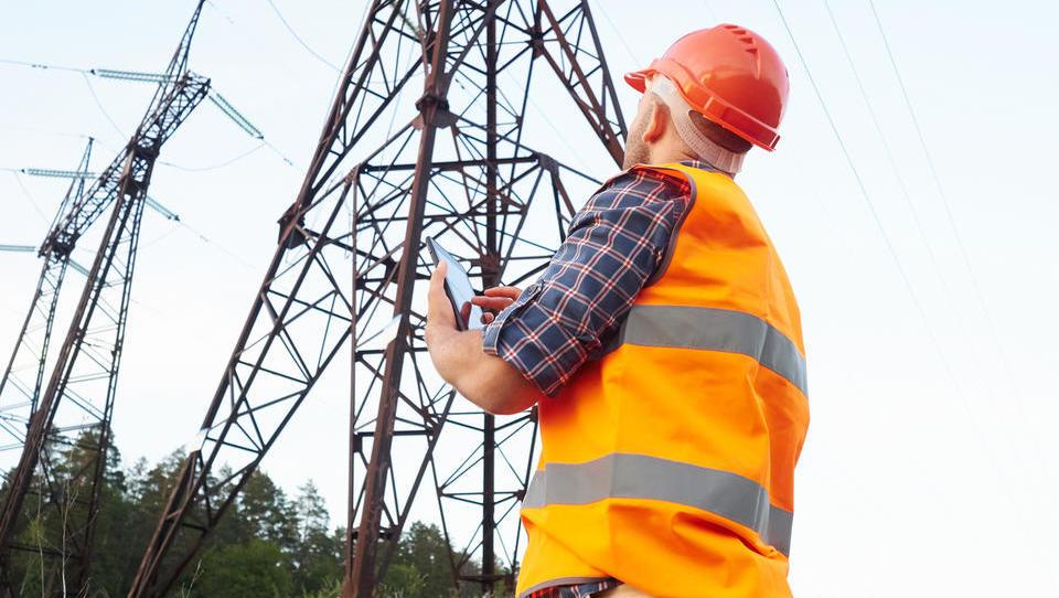 Letos neto plače najbolj rastejo v energetiki