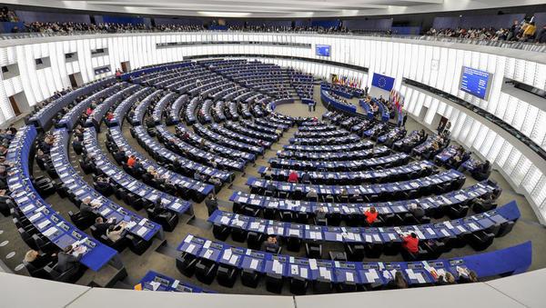 Evroposlanci so potrdili direktivo o avtorskih pravicah na digitalnem trgu. Kako so glasovali poslanci iz Slovenije