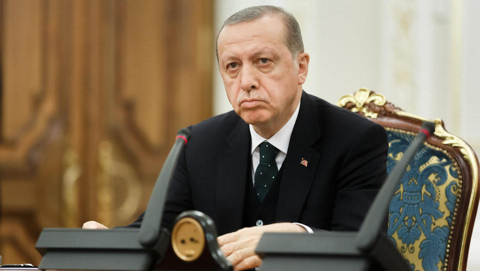 V Turčiji danes predsedniške in parlamentarne volitve