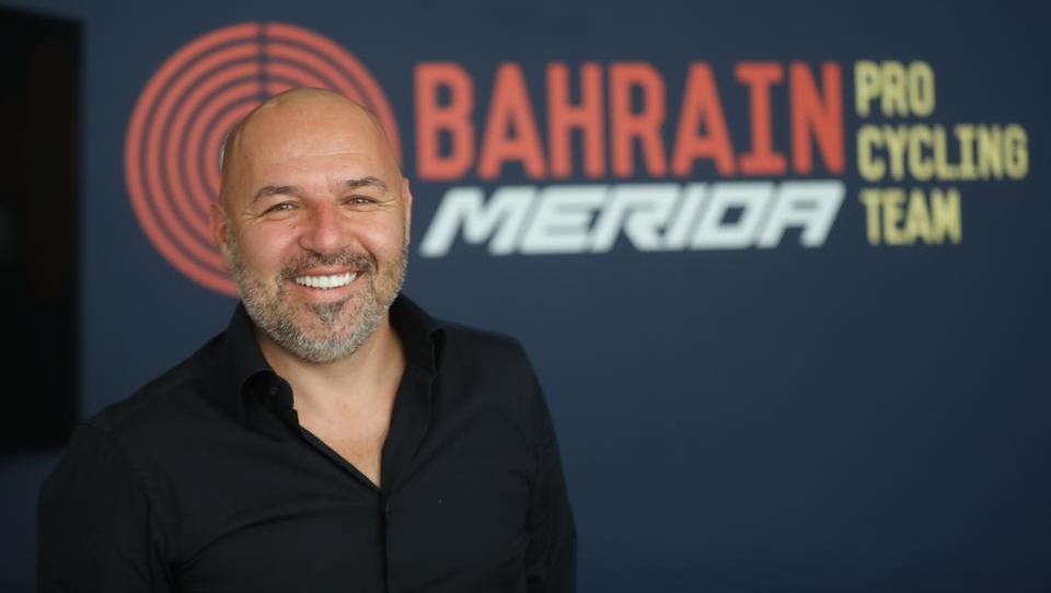 Novomeščan je v Bahrajn odpeljal slovensko kolesarsko elito in jim pripeljal še prestižni McLaren