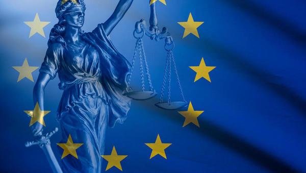 Sodišče EU o odškodninski odgovornosti pri sanaciji bank na primeru Cipra