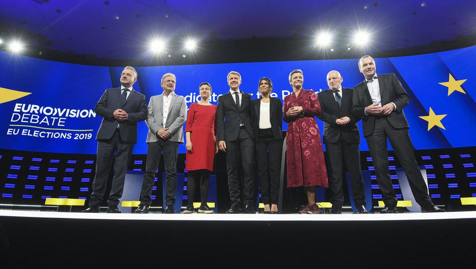 Obljube evropolitikov: Timmermans bi kaznoval Putinove prijatelje, Weber države s prenizkimi davki, Vestagerjeva pa hvali Pipistrel
