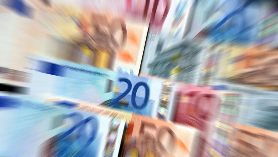 Kako bo protikorona paket v Sloveniji znižal stroške dela?