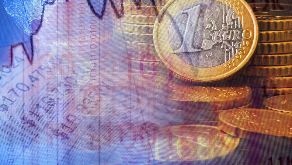 Stranski učinek ukrepov ECB: šibkejši evro na pomoč izvozu