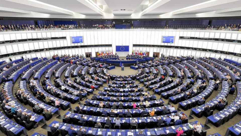 Evropski parlament: v EU naj vsi opustijo premog najkasneje leta 2030
