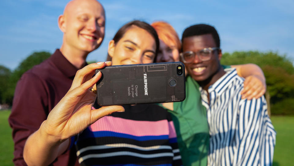 V čem je fairphone drugačen od drugih pametnih telefonov